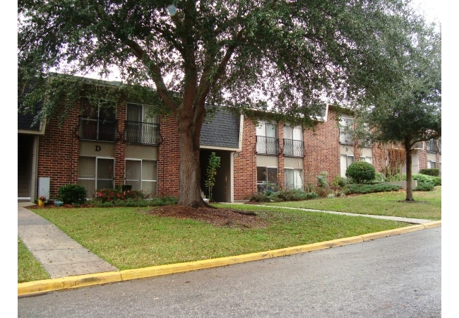 Condos For Sale in Gainesville FL - Summit House H-22