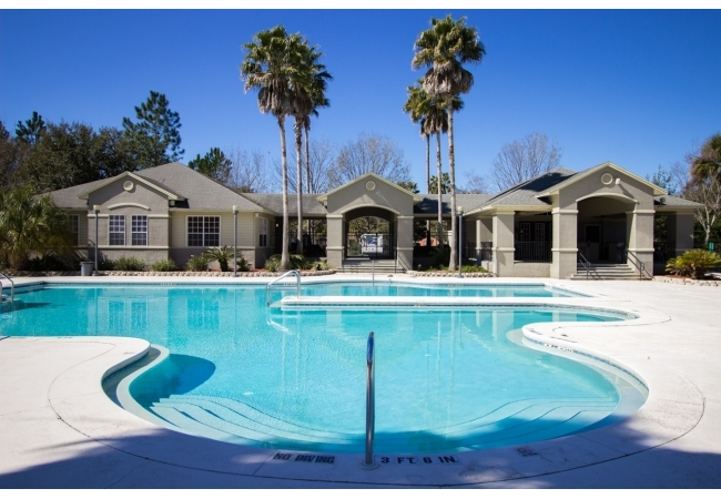 Residents can enjoy a sparkling pool and jacuzzi.